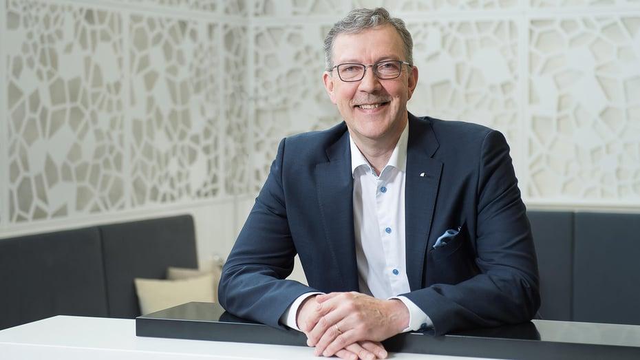 Rakennuttamisjohtaja Juhani Karhun mukaan rakennusprojektin onnistumiselle on lukemattomia syitä, epäonnistumiselle vain yksi.