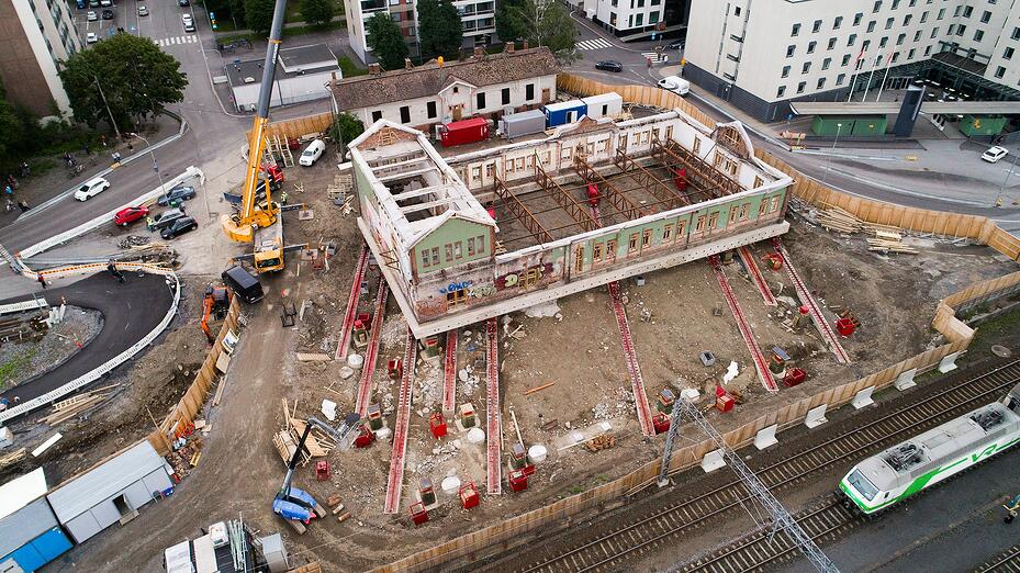 Tampereen tavara-aseman siirto haastoi A-Insinöörien asiantuntijoita ja vaati vankkaa kokemusta rakenteiden toiminnasta ja mitoituslaskennasta.