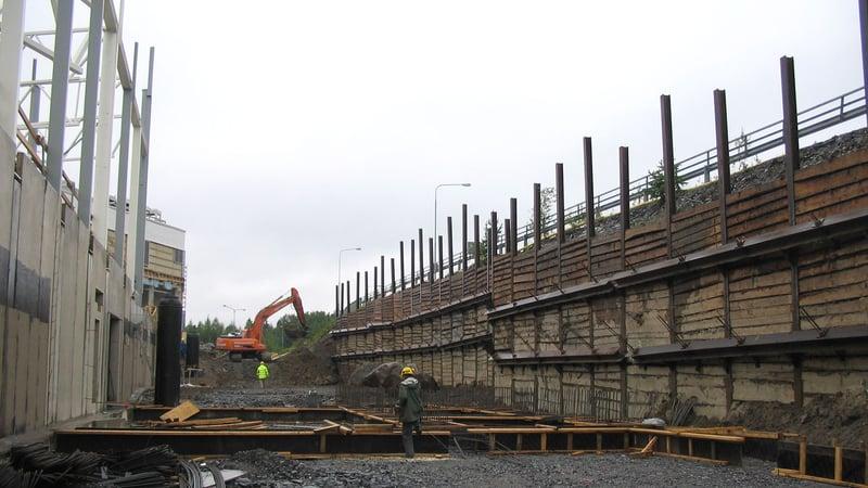 Pohjatutkimuksilla selviää mm., mitä rakennuspaikka edellyttää rakentamiselta, ja miten puhdas tai pilaantunut maa on.