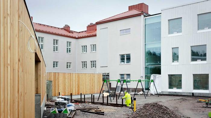 Monikko_koulukeskus_Espoo_vanha_ja_uusi_rakennus