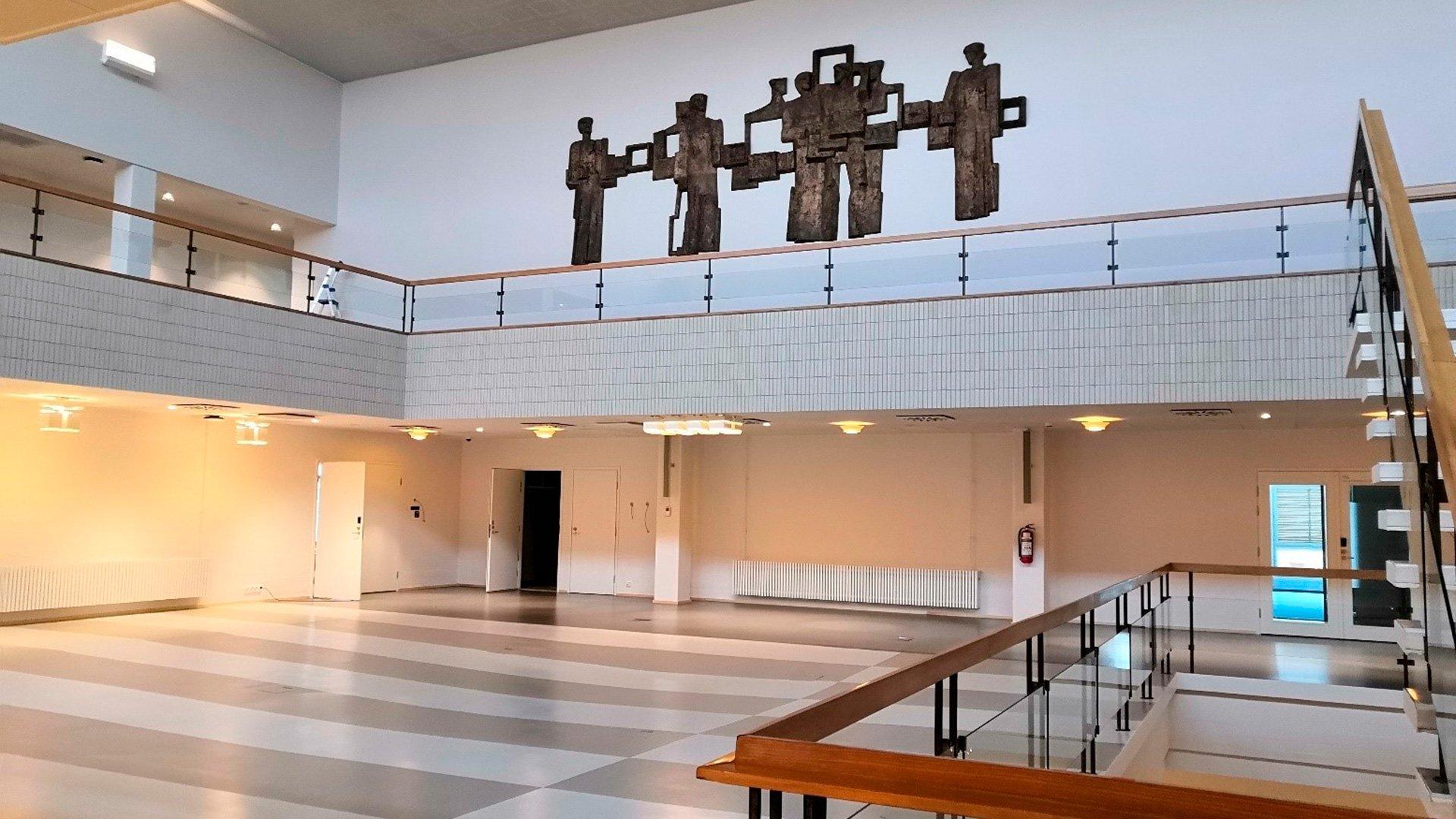 Saneerauksessa uudistettiin myös Turun yliopiston päärakennuksen keskusaula.